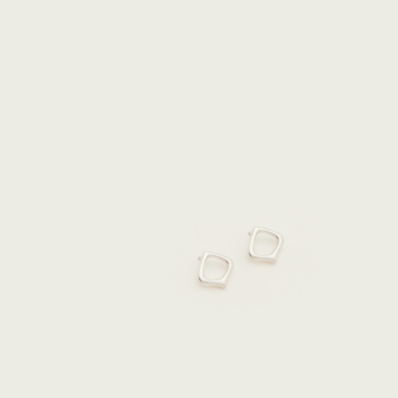 Moznabi Jewellery – Essence of Persia – Silver Studs