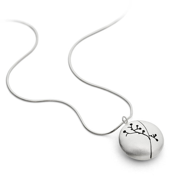 IS11A Floral Silhouette Silver Necklace